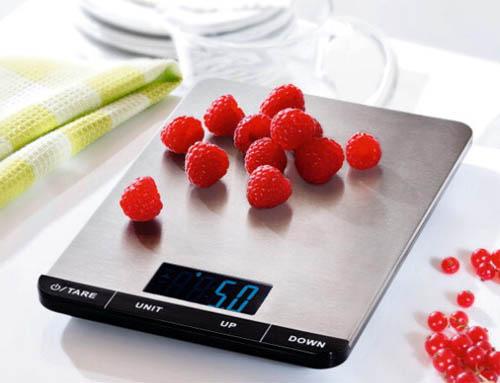 На что обратить внимание, выбирая кухонные весы?